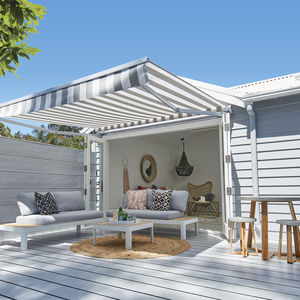 Create an Entertaining Area with an Outdoor Awning
