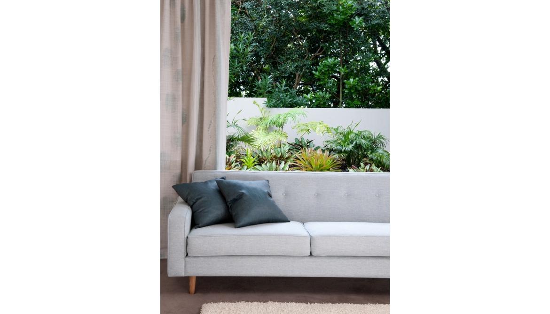 Kamo Sofa
